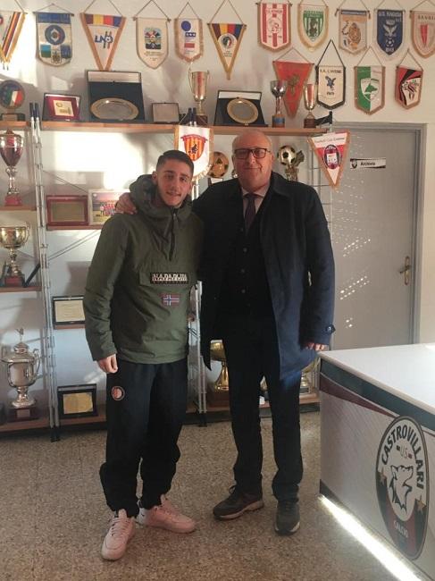 Simone Marfella e il presidente del Castrovillari calcio, Giuseppe Agostini
